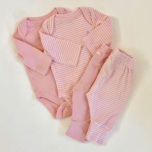 BabyGap Baby Girl Newborn Outfit Set